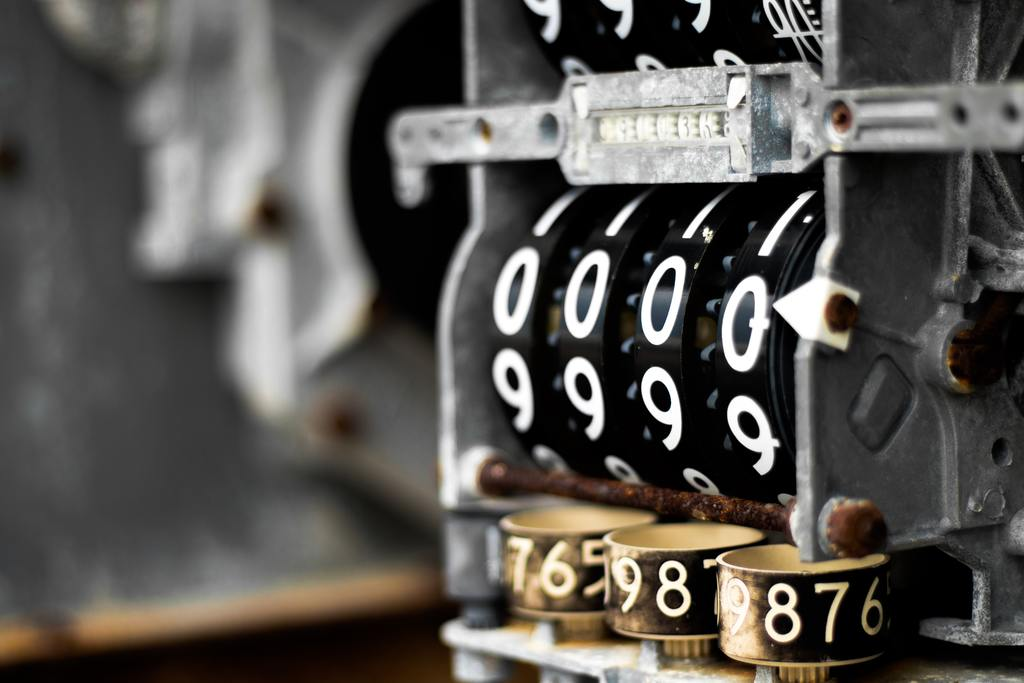 An antique cash register, symbolizing business valuation methods
